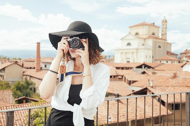 Туристка прави снимки